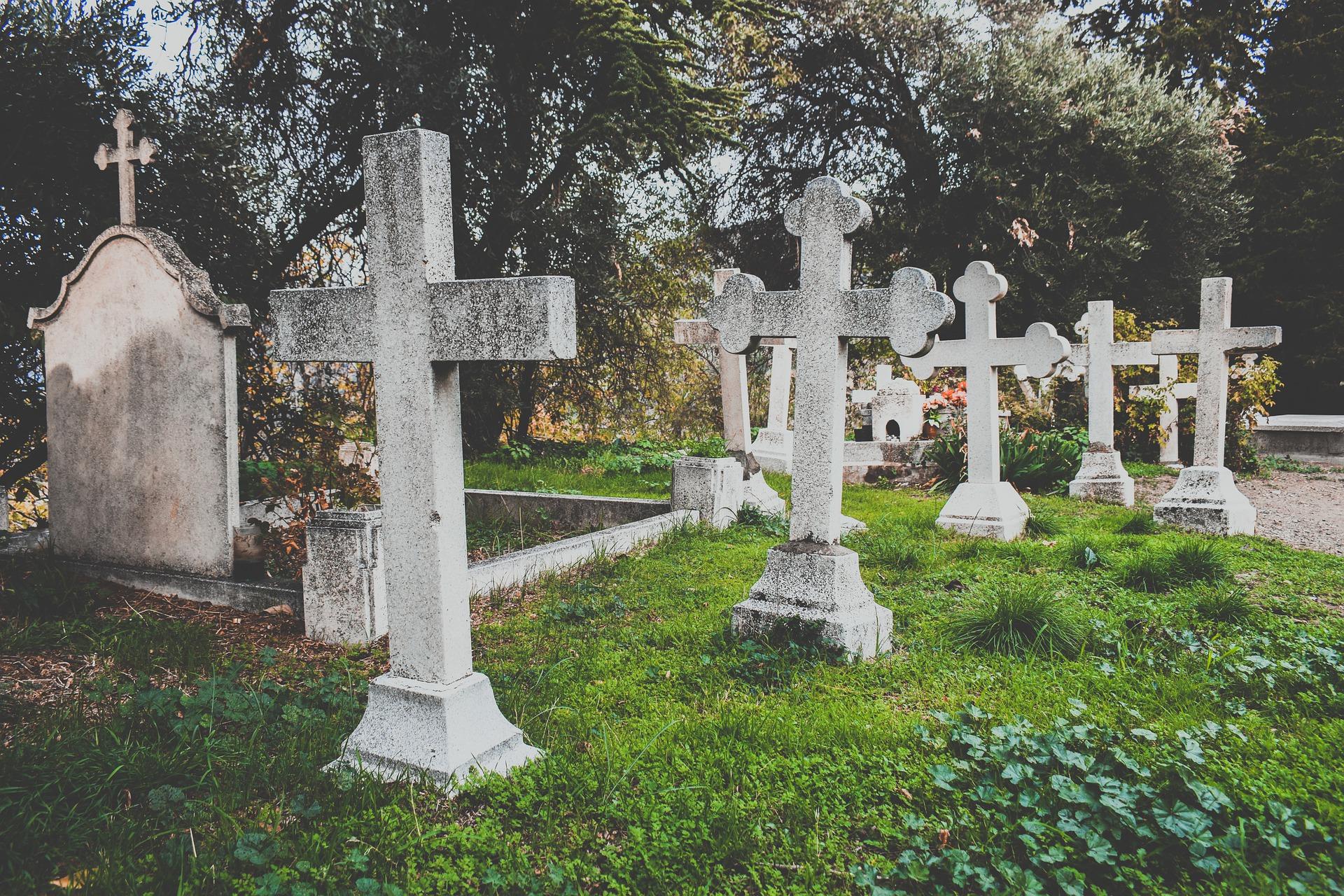 cemetery-4825282_1920